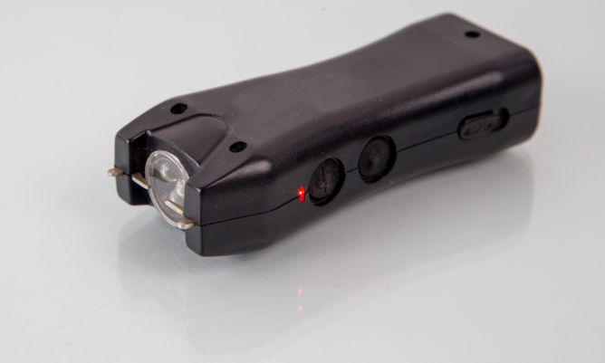 How do Stun Guns Work?